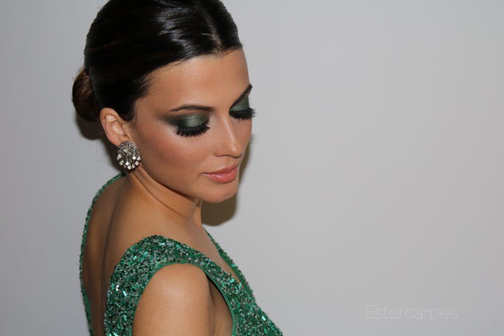 Maquillaje de noche para un vestido verde